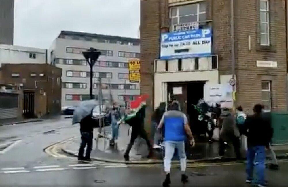 صوت   گفتوگو با خانم کمالی که در شهر بیرمنگام انگلیس هنگام رای گیری مورد هجوم منافقین قرار گرفت
