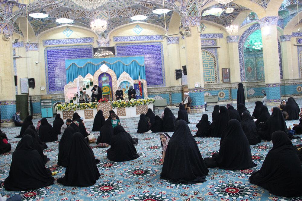 تصاویر / تجلیل از بانوان حوزی فعال عرصه مشارکت حداکثری در انتخابات ۱۴۰۰