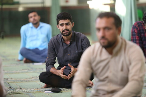 تصاویر/ نشست صمیمی مسئول مرکز رسانه و فضای مجازی حوزه با کنشگران حوزوی رسانه