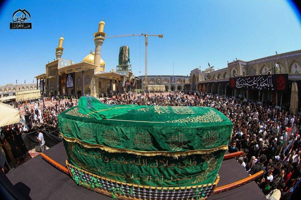 بالصور/ المؤمنون يحيون ذكرى استشهاد الإمام الجواد (عليه السلام) في حرم الإمامين الكاظمين عليهم السلام