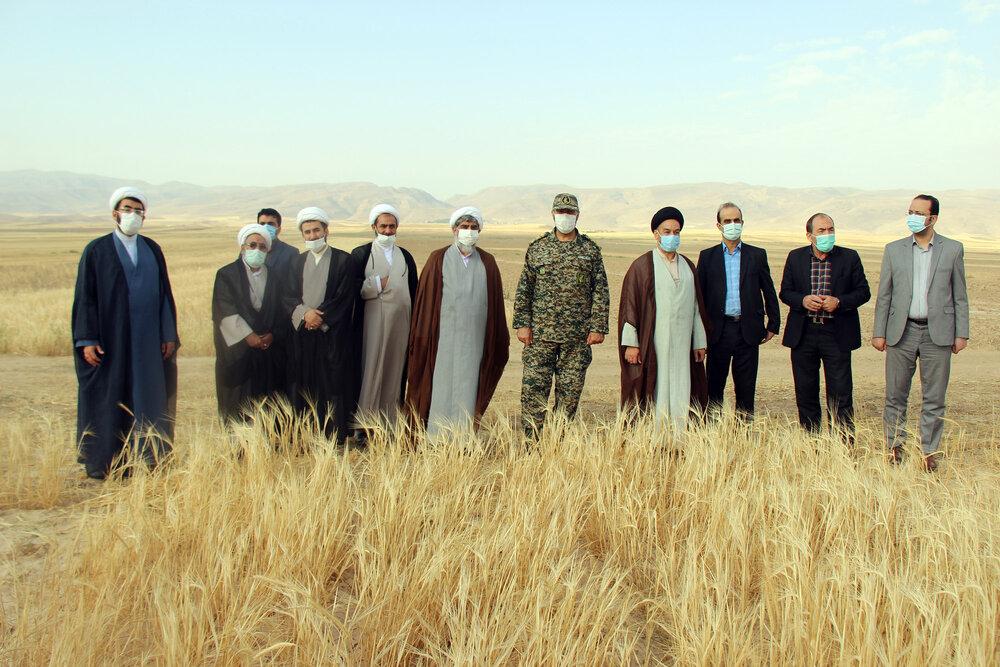تصاویر/ آئین خداقوت کشاورز با حضور اعضای شورای زکات خراسان شمالی