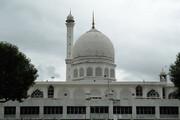 کورونا پروٹوکال کے ساتھ مساجد میں نماز کی اجازت دینے کا مطالبہ