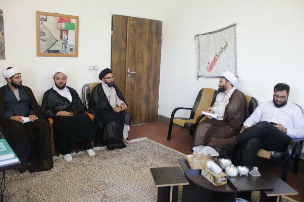 تصاویر/ نشست مدیر حوزه علمیه کردستان با روحانیون طرح هجرت شهرستان بیجار