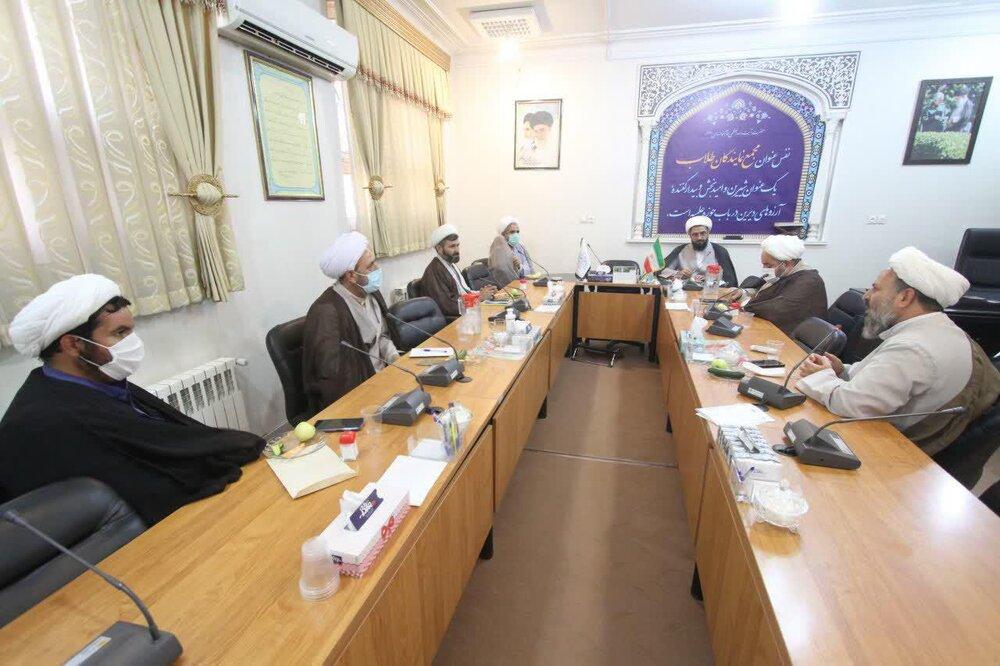 گزارشی از سفر دو روزه نماینده ولی فقیه در استان همدان به قم