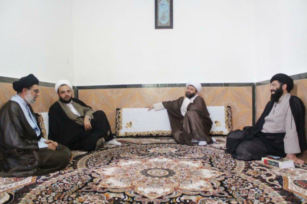 تصاویر/ دیدار و تقدیر مدیر حوزه علمیه کردستان از روحانیون طرح هجرت شهرستان بیجار