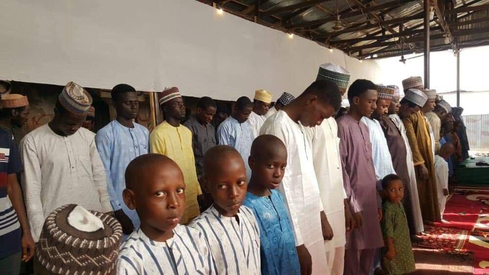 برپایی نماز عید قربان با حضور گسترده شیعیان در پایتخت نیجریه+تصاویر