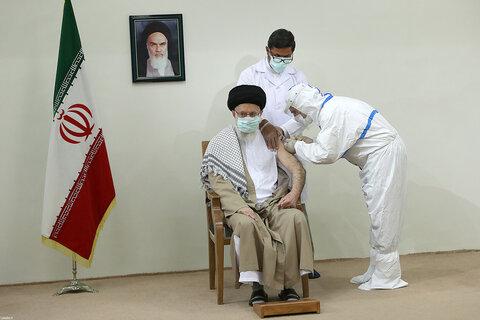 تصاویر/ دریافت نوبت دوم واکسن ایرانی کرونا توسط رهبر معظم انقلاب