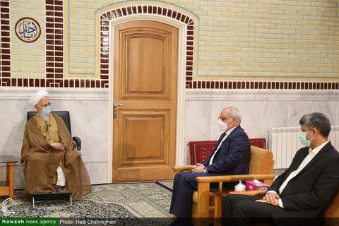 بالصور/ وزير التعليم والتربية الإيراني يلتقي بسماحة آية الله جوادي الآملي في مدينة دماوند شمال العاصمة طهران