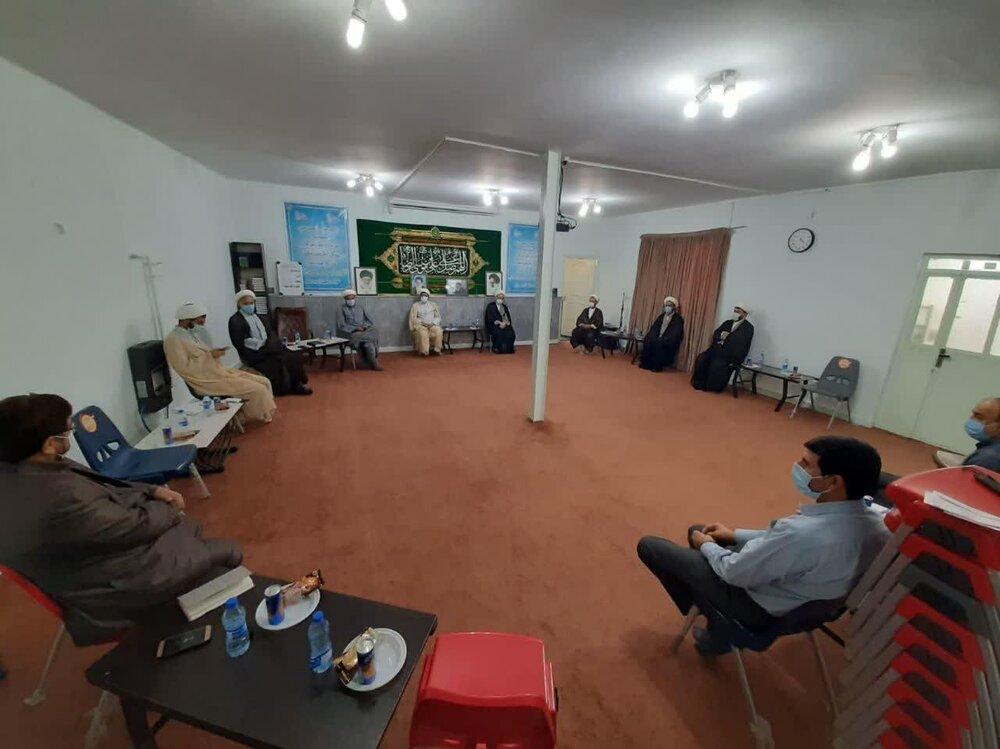 نشست همفکری اعضای شورای شهر دزفول با اساتید مدرسه علمیه آیتالله قاضی(ره)