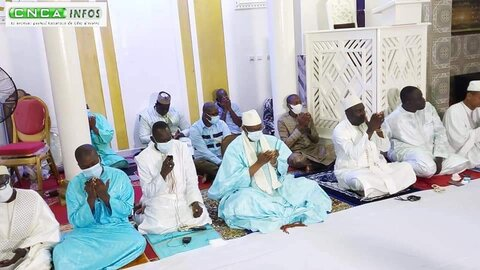 دیدار فعالان دینی ساحل عاج با رئیس مجلس اسلامی این کشور