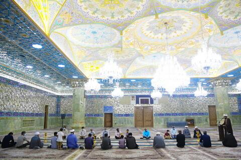 تصاویر / غباروبی حرم حضرت معصومه (س) توسط اعضای خبرگزاری رسمی حوزه