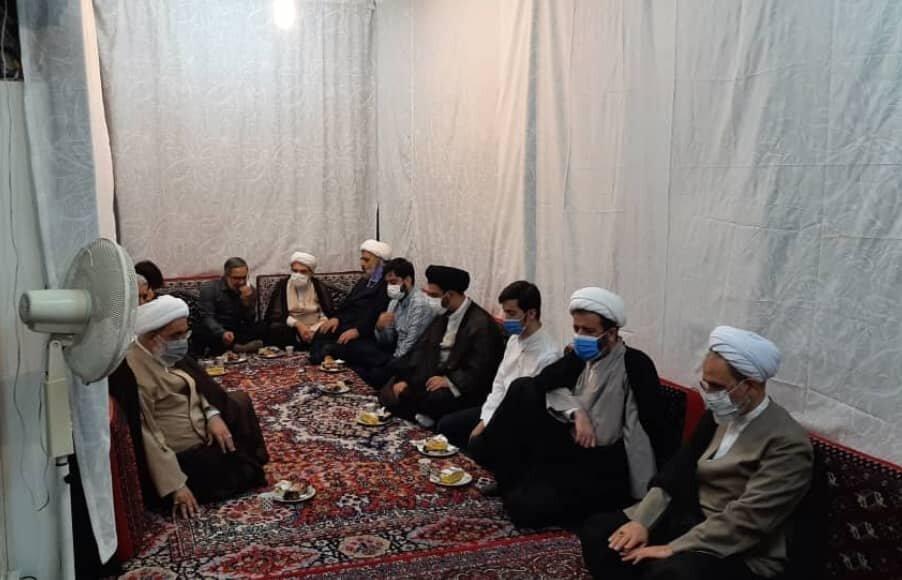 حضور مدیر حوزه های علمیه در منزل آیت الله شب زنده دار و مرحوم رضوانی