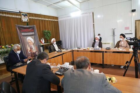 تصاویر / نشست رئیس دانشگاه آزاد اسلامی با رئیس موسسه آموزشی و پژوهشی امام خمینی(ره)