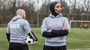 مخالفت بانوان فوتبالیست فرانسوی با کشف حجاب اجباری در ورزش