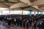 تصاویر/ اقامه نماز ظهر عاشورا  در گلزار شهدای خلدبرین یزد