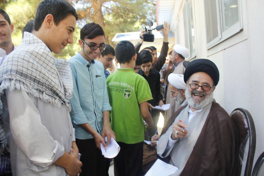 تصاویر آرشیوی از مرحوم حجت الاسلام والمسلمین ابراهیمی مدیر اسبق حوزه علمیه قزوین