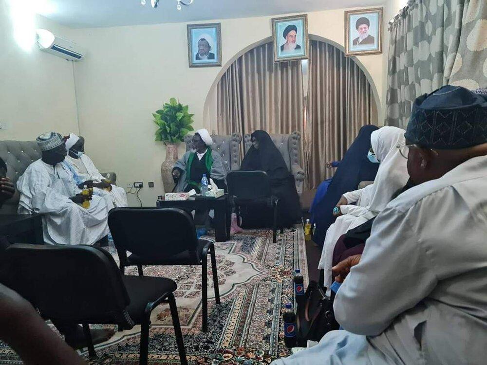 دیدار برخی از خویشاوندان شیخ زکزاکی با وی و همسرش + تصاویر