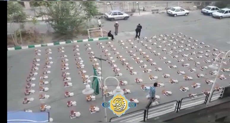 کلیپ   توزیع ۲۰۰ بسته معیشتی توسط گروه جهادی انصارالمهدی مدرسه علمیه امام خمینی ارومیه