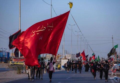 پیاده روی زائران حسینی در مسیر کربلا -۴