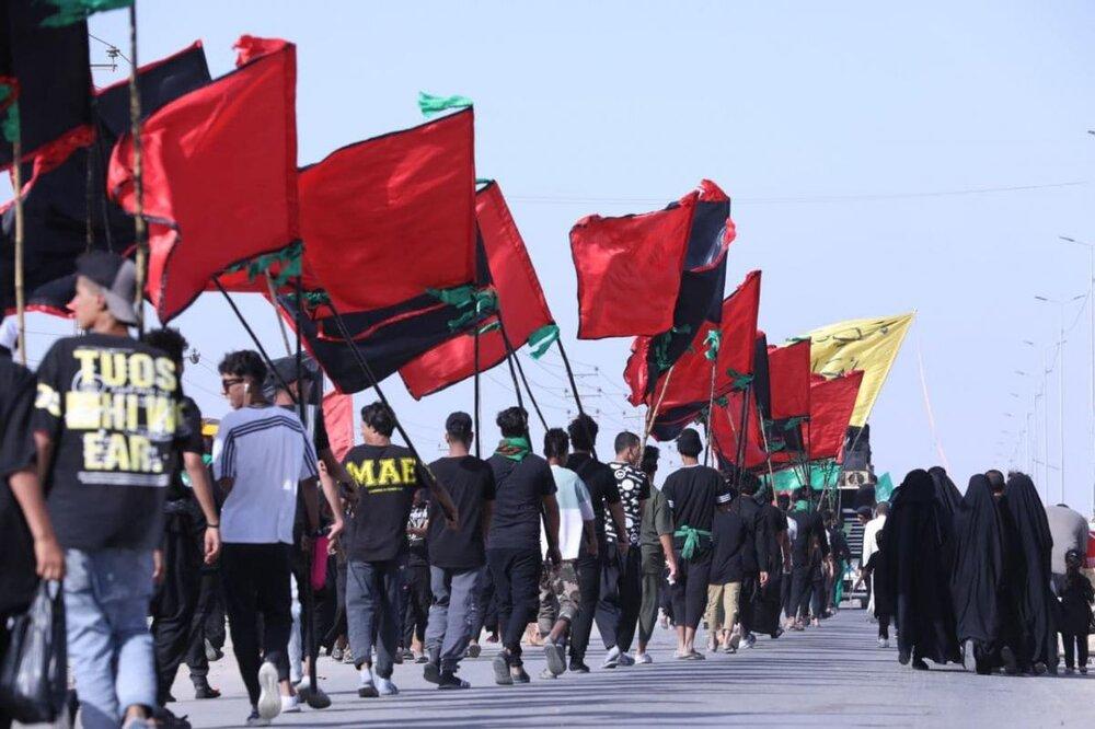 تصاویر/ پیاده روی زائران حسینی در مسیر کربلا -۴