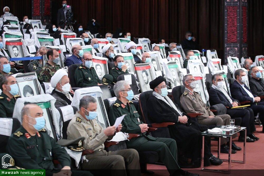 تصاویر/ حضور رئیس جمهور در نمایشگاه ملی «در لباس سربازی»