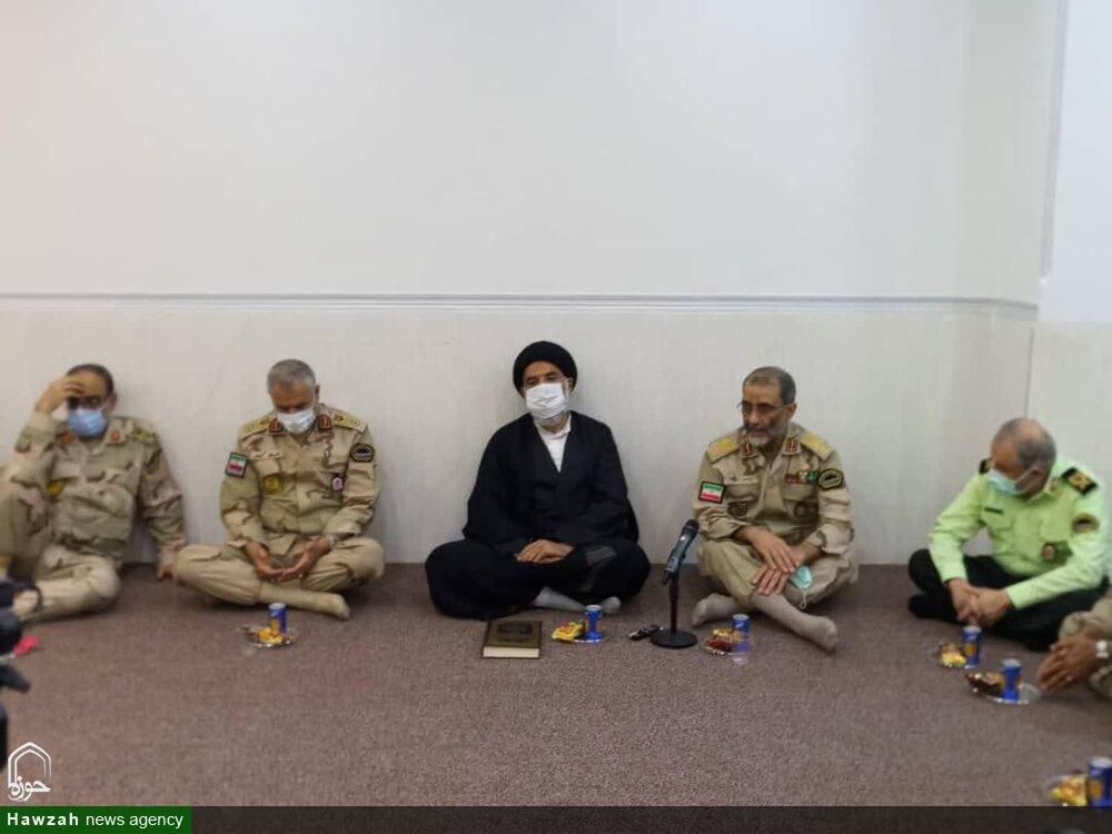 جانشین فرمانده ناجا با امام جمعه اهواز دیدار و گفتوگو کرد + عکس