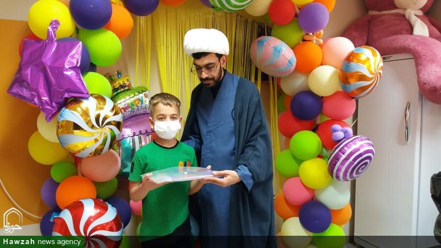 تصاویر| حضور طلاب جهادی در بیمارستان ابوذر اهواز و عیادت از کودکان