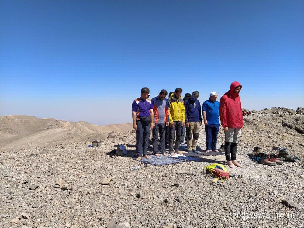 صعود تیم کوهنوردی شهدای روحانی به دو قله مرتفع