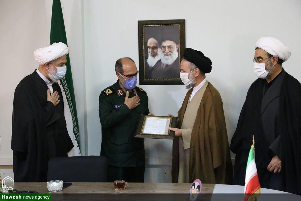 تصاویر/ تجلیل از روحانیون پیشکسوتان دفاع مقدس در تبریز