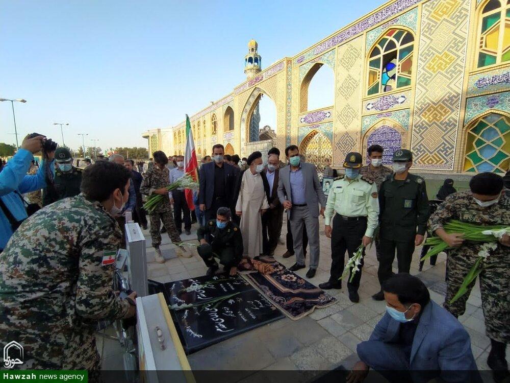 تصاویر/ غبارروبی گلزار شهدای هلال بن علی (ع) آران و بیدگل