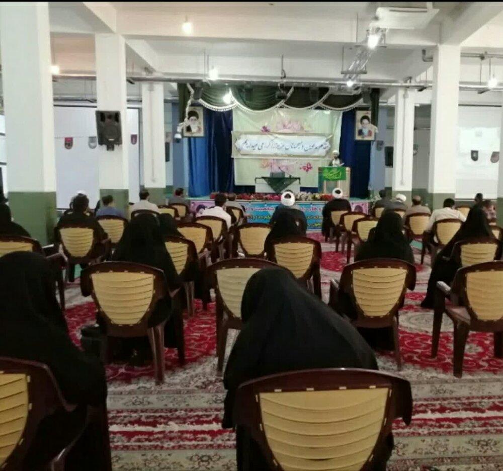 تجلیل از ۱۰۰ امام جماعت مدارسنجف آباد + عکس