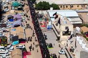 تصاویر/ بزرگترین نماز جماعت در مسیر پیاده روی اربعین