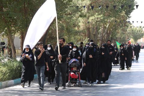 تصاویر/ پیاده روی جاماندگان اربعین در اصفهان