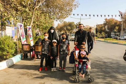 تصاویر/ پذیرایی موکب داران جامانده اربعین از عزاداران حسینی در اصفهان