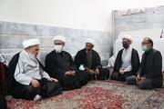 دیدار نمایندگان آیت الله اعرافی با روحانی رزمنده و ایثارگر دفاع مقدس