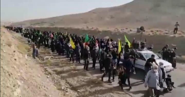 فیلم   پیاده روی اربعینی مردم روستای کوچک شرب العین