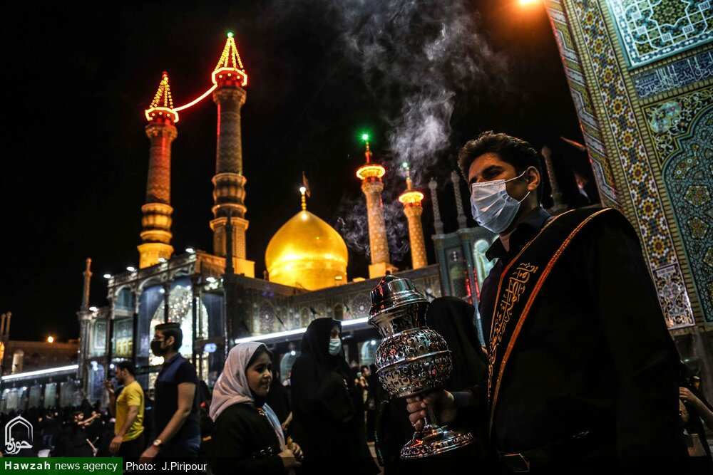 تصاویر/ شب رحلت رسول اسلام اور شہادت امام حسن(ع) پر روضہ حضرت معصومہ قم (س) حزن و ملال اور سوگ کے مظاہر