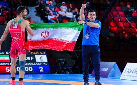تهنئة الإمام الخامنئي لأبطال مصارعة إيران في المصارعة الرومانية