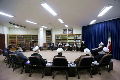 تصاویر/ دیدار دست اندرکاران همایش بزرگداشت آیت الله شیخ مرتضی حائری با ایت الله اعرافی