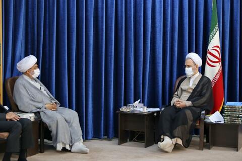 تصاویر/ دیدار مدیرکل اوقاف قم با آیت الله اعرافی