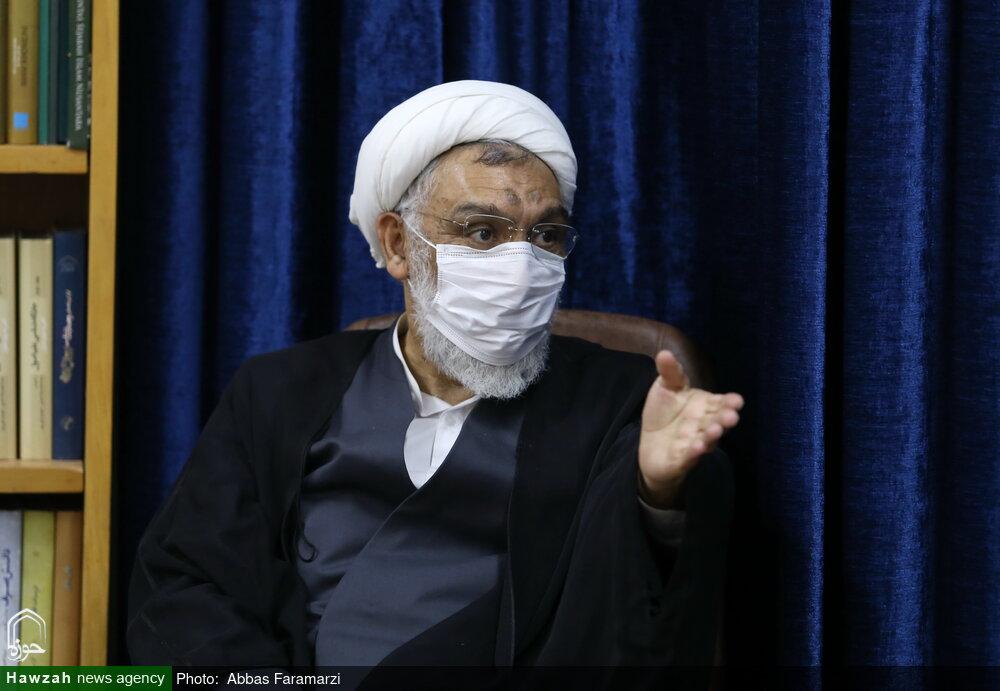 مرکز اسناد حوزه در کار خود موفق بوده است/ تدوین دانش نامه ۱۰ جلدی امام خمینی(ره)