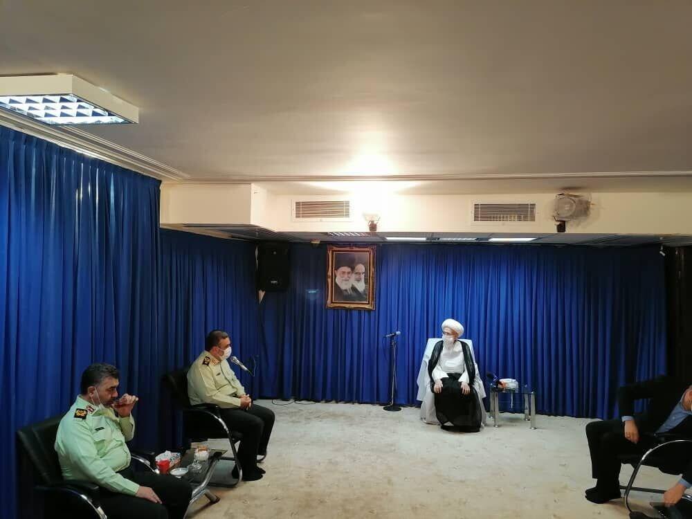 قدردانی مراجع عظام تقلید و علما از رشادت ها و جانفشانی های کارکنان نیروی انتظامی