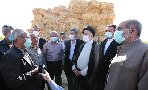 حضور رئیس جمهور در روستای کناره مرودشت
