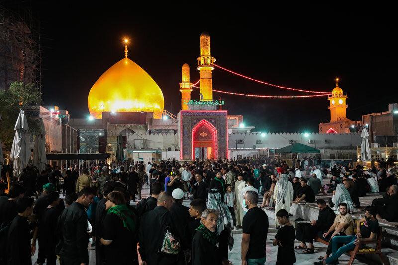 تصاویر/ سامرا میں شب شہادت امام حسن عسکری (ع) کی تصویری جھلک