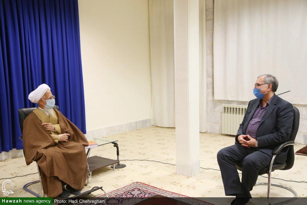 بالصور/ وزير الصحة الإيراني يلتقي بسماحة آية الله جوادي الآملي بقم المقدسة