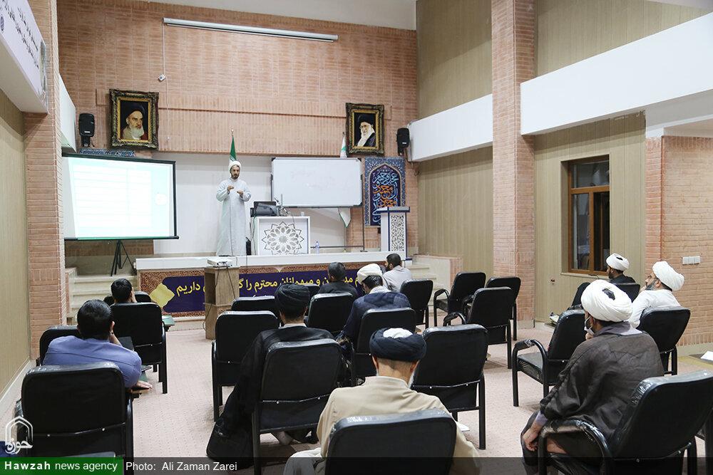 """بالصور/ تنظيم ورشة تعليمية بعنوان """"مهارات تبيين تفسير القرآن"""" بمدينة الأهواز جنوبي غرب إيران"""