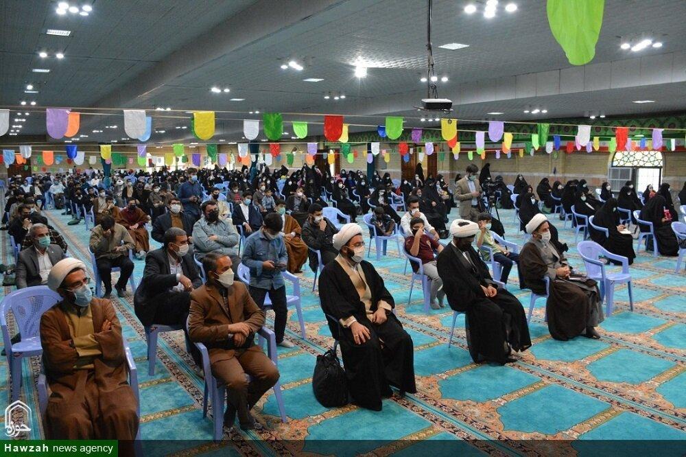 بالصور/ مراسيم تجديد البيعة مع الإمام العصر (عج) في مصلى الإمام الخميني (ره) بمدينة أرومية شمالي غرب إيران