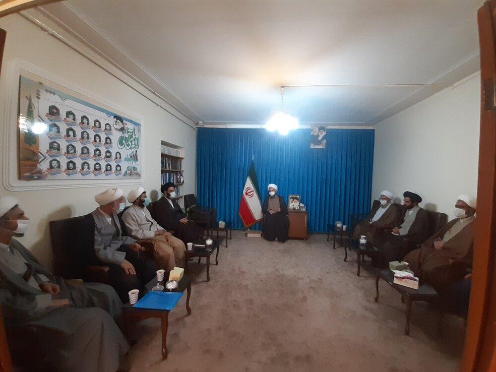 تصاویر/ سفر یکروزه مدیر حوزه علمیه استان آذربایجان شرقی به تسوج و شبستر