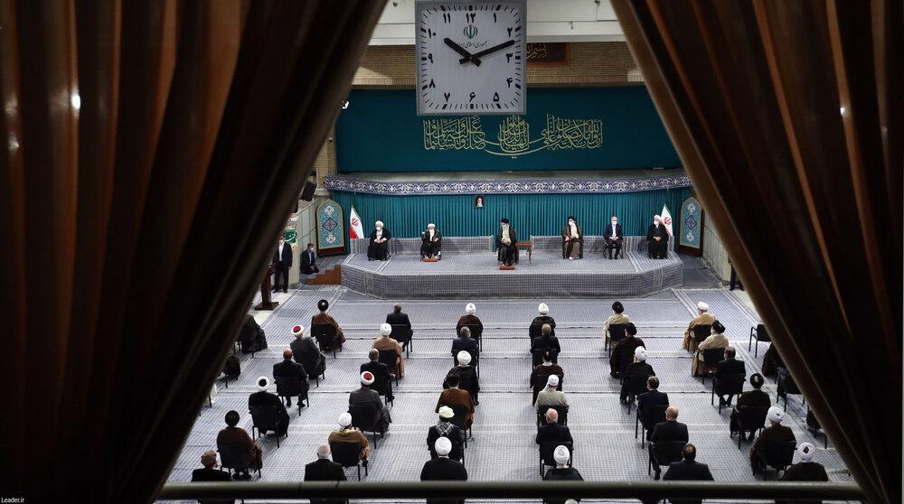 تصاویر / دیدار میهمانان کنفرانس وحدت اسلامی و جمعی از مسئولان نظام با رهبر معظم انقلاب