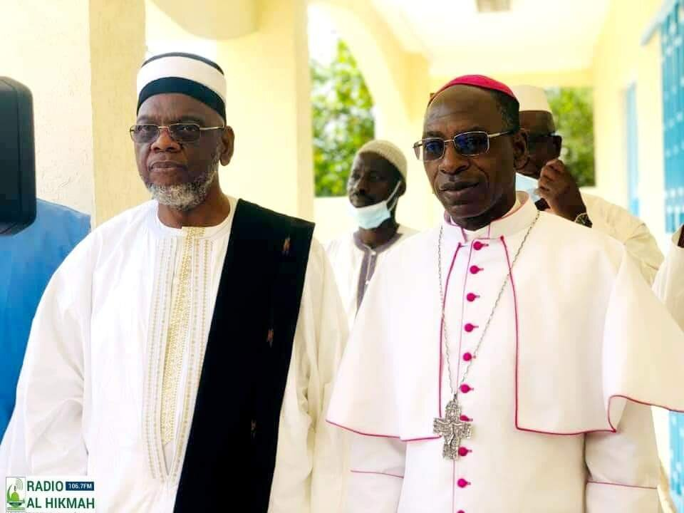 دیدار نماینده کلیسای کاتولیک با مبلغ شیعه در کشور ساحل عاج + تصاویر